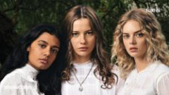 "Online epizode serije ""Picnic at Hanging Rock"""